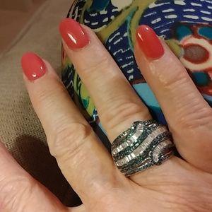 Silver multirow ring